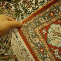 真丝挂毯 波斯图案精细线条 色彩典雅 手工传统制造艺术挂毯